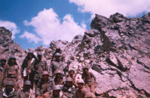 Captain Akhilesh Saxena At Real War Front Of Kargil War (3)