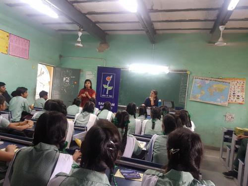 Inspiring mantra career worshop in govt school (11)-min