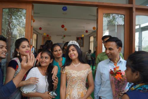 Shikha Saxena (8)-min